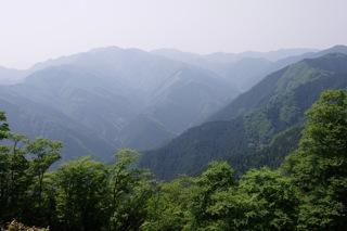 岩茸石山の山頂より展望(2)