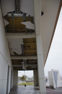 壊れた天井